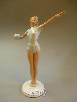 Art Deco Porcelain Figurine Female Gymnastics Ballspielerin 23cm Um 1930