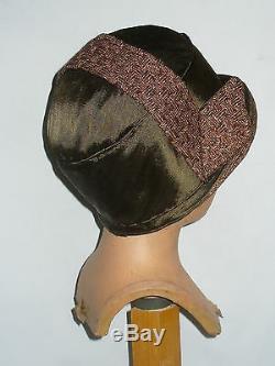 Cloche Hat / Cap In Straw & Silk Gatsby Era Art Deco Flapper Hat 1920