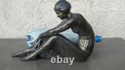Former Large Sculpture Art Deco In Regulates Young Woman Sitting At The Panther