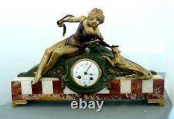 Pendule Époque Art Déco Red And White Marble With Subject Woman And Panther