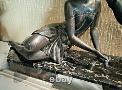 Pretty Statue Art Deco Young Woman With Biches On Marble