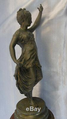 Sculpture Woman Regulates In On Marble