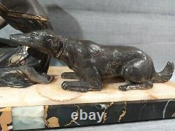 Statuette Art Deco Woman With Pigeon And Dog Regulated Patina On Marble