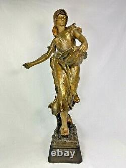 Superb Sculpture Statue Terracotta Goldscheider Woman 1900 Art Nouveau Deco