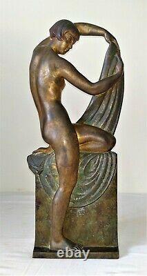 Woman Art Deco. Bronze Chiselé. Signed R. Abel Philippe. France. Around 1930
