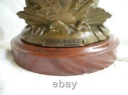 Ancienne Lampe à Pétrole Statue femme Le Crépuscule par Bruchon signée