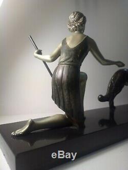 Ancienne Statue Art Déco Femme aux Lévriers