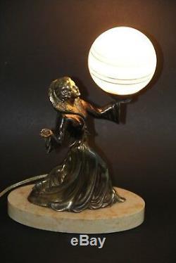 Ancienne lampe veilleuse art deco 1930 femme antique lamp figurine woman statue
