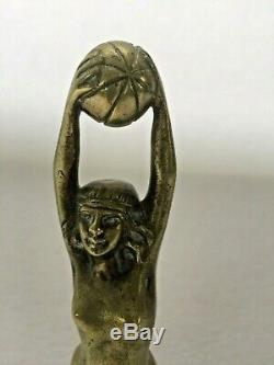 Ancienne mascotte bouchon de radiateur en bronze signé Detresme femme art déco