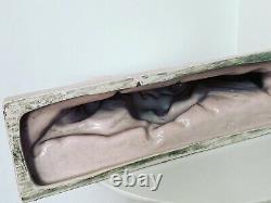 Céramique rosée craquelé art déco femme et lévrier DLG de Fontinelle