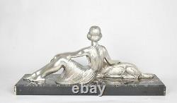 D H Chiparus, Femme Assise Au Barzoï, Bronze Argenté Signé, Art Déco, XXème Sièc