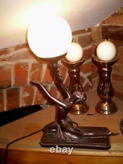 Danish Art Déco Design, Femme Table Humeur Lampe, 40 Watts, Style Numéro GR1196