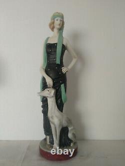 Grande statue femme aux lévrier Art deco en terre cuite
