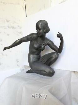 Importante statuette femme d'époque art déco, régule de belle qualité