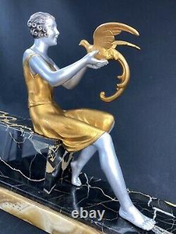 J DAUVERGNE SUPERBE RARE STATUE ART DECO FEMME AUX PERROQUETS Ca 1925 SCULPTURE