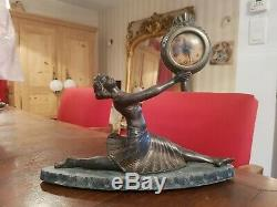 Jolie horloge Art Deco, femme danseuse