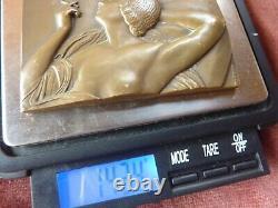 Jolie medaille de table art deco, signée P. Lenoir, femme fumant, 50x75mm, bronze