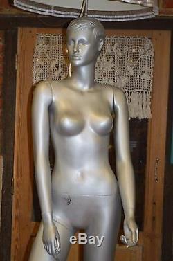 Lampadaire Mannequin Femme