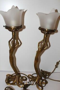 Lampes Femme Nues Signé P. Lucas Bronze Art Déco Tulipe en Verre
