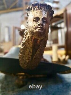Lustre ancien Empire en bronze à 2 patines et 6 branches têtes de femmes