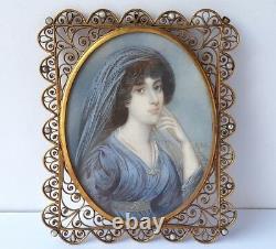 Miniature Portrait Jeune Femme Peint à la Main Signé Um 1860 1880 AL965