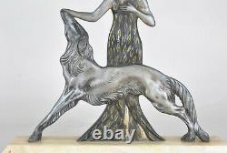 Nisoul, femme au lévrier, bronze Signé, Art Déco, XXème Siècle