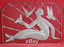 Plaque en verre gravé Femme aux colombes Style Art-Déco XX°