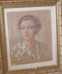 Portrait de femme pastel par Yves Thiey