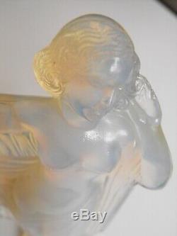 Sabino Femme Art -deco Tanagra En Verre Opalescent