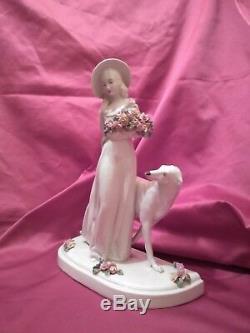 Sculpture Art Deco R. Pollin. Femme. Elegante Au Chien