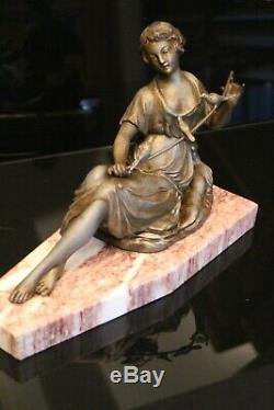 Sculpture Art déco sujet à la femme aux oiseaux en métal signé G. Limousin