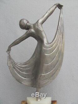 Sculpture art deco 1930 statue femme danseuse A. GILBERT dancer woman spelter 30s