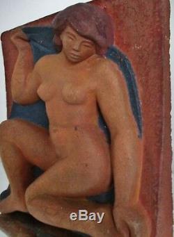 Sculpture statue Bas relief Terre cuite ART DÉCO moderniste Femme à identifier