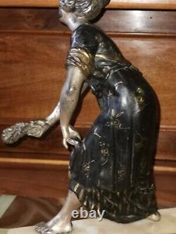 Statue Ancienne Régule. Art Déco. Femme. A La Biche