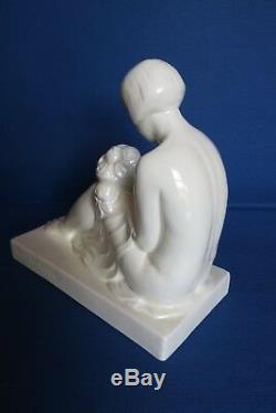 Statue art déco faïence céramique blanche, femme au bouquet, signée R. A PHILIPPE