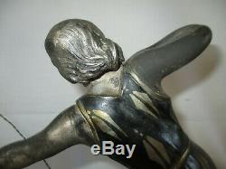 Statuette chyséléphantine Femme archer lévrier marbre et régule 1930 Art Déco