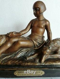 Terre cuite Femme nue aux lévriers signée EMILE ROUFF Art-Déco vers 1930