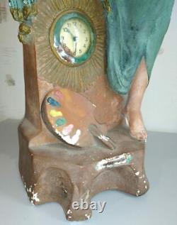 Très grande et belle pendule-statue en plâtre. Femme peintre. Art déco